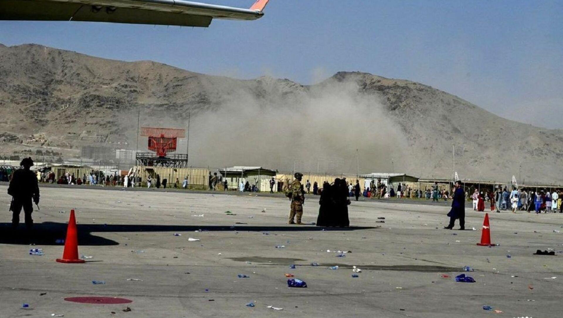 Vụ nổ ở gần sân bay Kabul - Sputnik Việt Nam, 1920, 27.08.2021