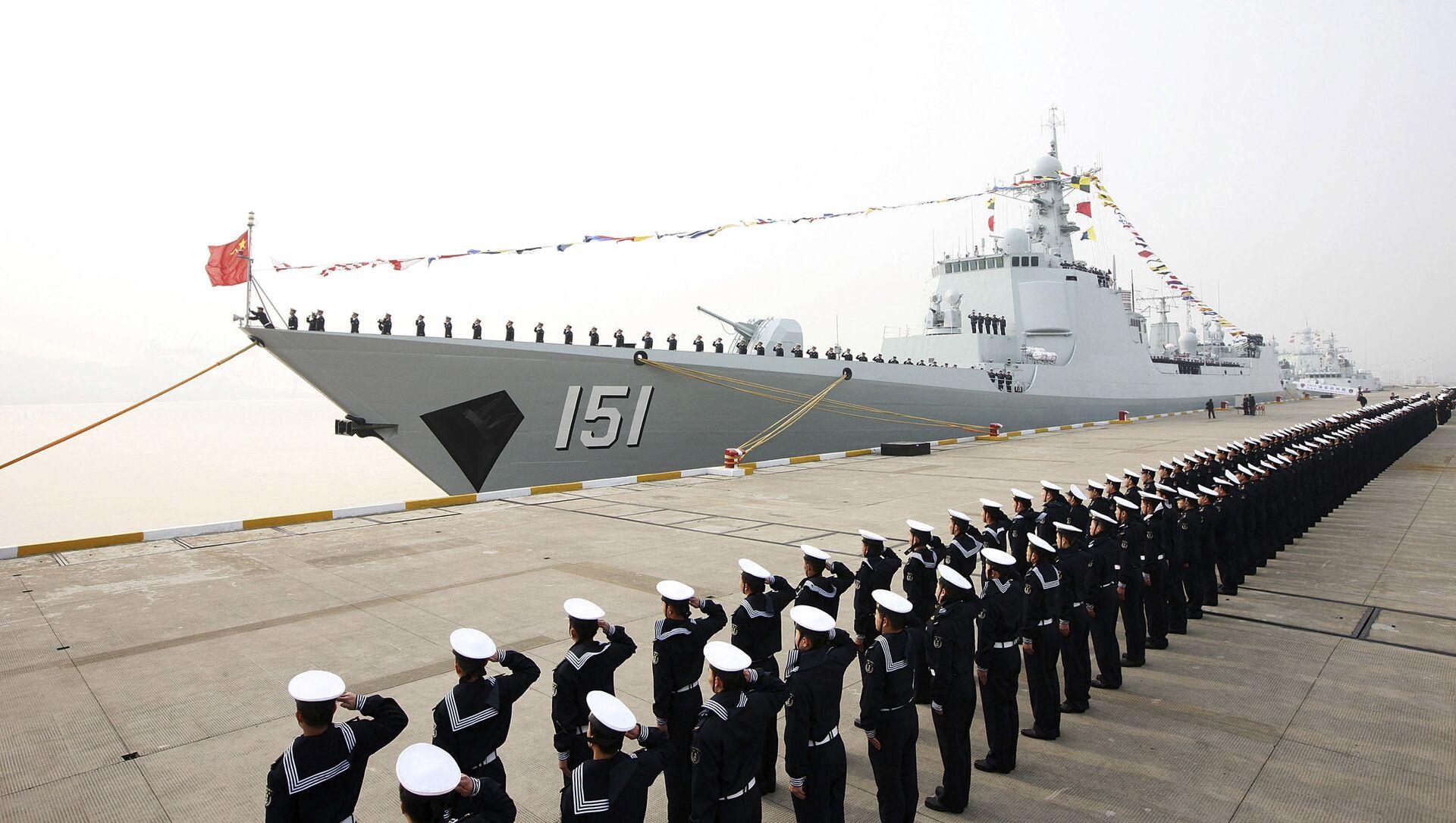 Tàu khu trục Type 052C Trịnh Châu được đưa vào hoạt động ở Trung Quốc - Sputnik Việt Nam, 1920, 28.08.2021