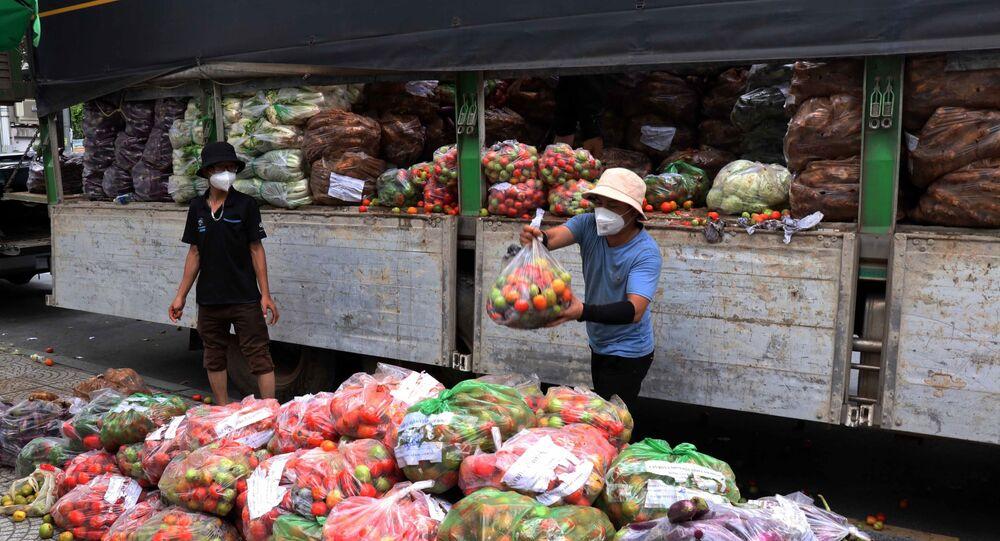 Từ nay đến 15/9, mỗi ngày tỉnh Lâm Đồng sẽ chuyển cho Thành phố Hồ Chí Minh 200 tấn rau, củ, quả để hỗ trợ lực lượng tuyến đầu và người dân trong đợt dịch