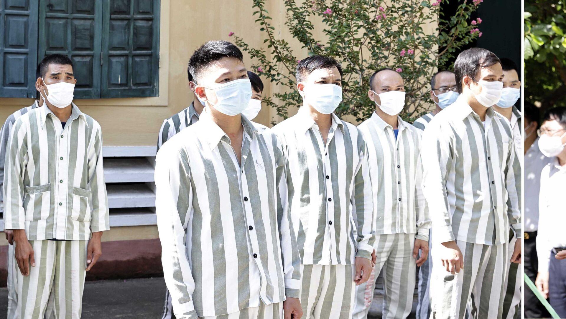 Chủ tịch nước Nguyễn Xuân Phúc kiểm tra công tác xét đặc xá 2021 tại Trại giam Ngọc Lý - Sputnik Việt Nam, 1920, 30.08.2021