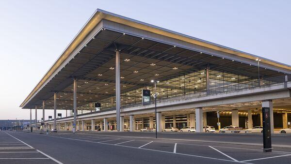 Nhà ga số 1 của sân bay Berlin-Brandenburg ở Đức - Sputnik Việt Nam