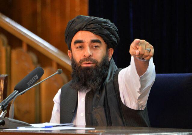 Phát ngôn viên của Taliban* Zabiullah Mujahid trong cuộc họp báo ở Kabul, Afghanistan