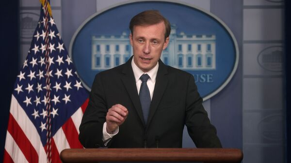Cố vấn An ninh Quốc gia Nhà Trắng Jake Sullivan đặt câu hỏi trong cuộc họp báo tại Nhà Trắng ở Washington, Hoa Kỳ, ngày 7 tháng 6 năm 2021 - Sputnik Việt Nam