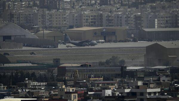 Máy bay tại sân bay Kabul. - Sputnik Việt Nam