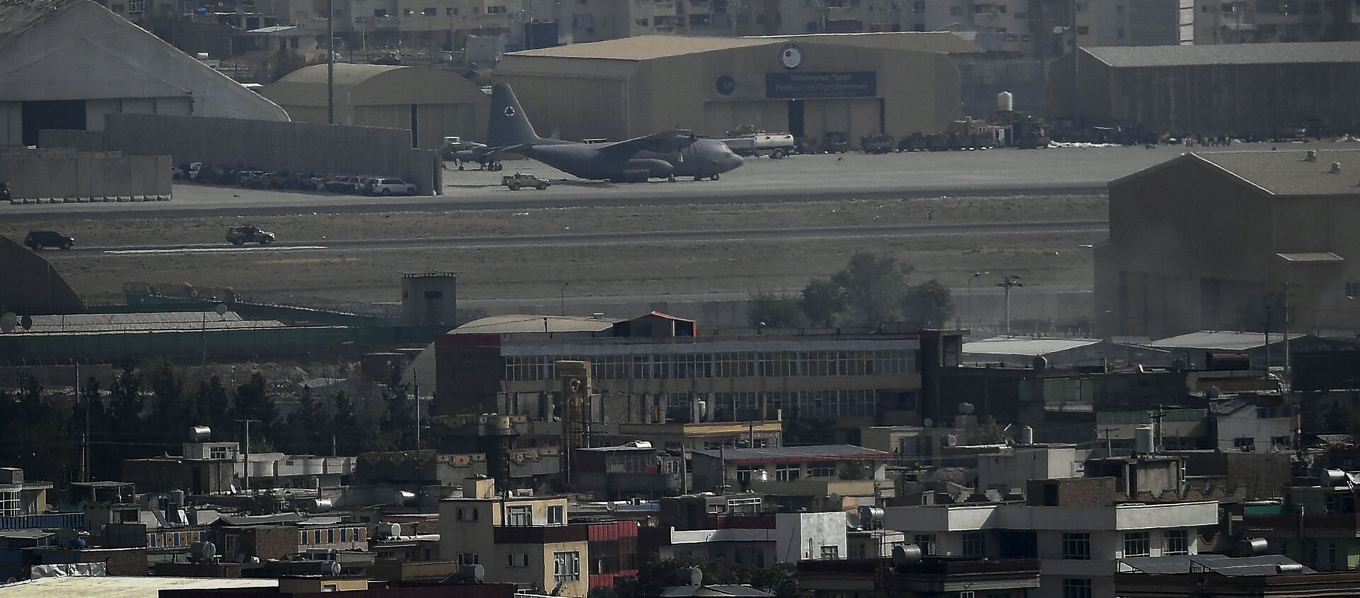 Máy bay tại sân bay Kabul. - Sputnik Việt Nam, 1920, 31.08.2021