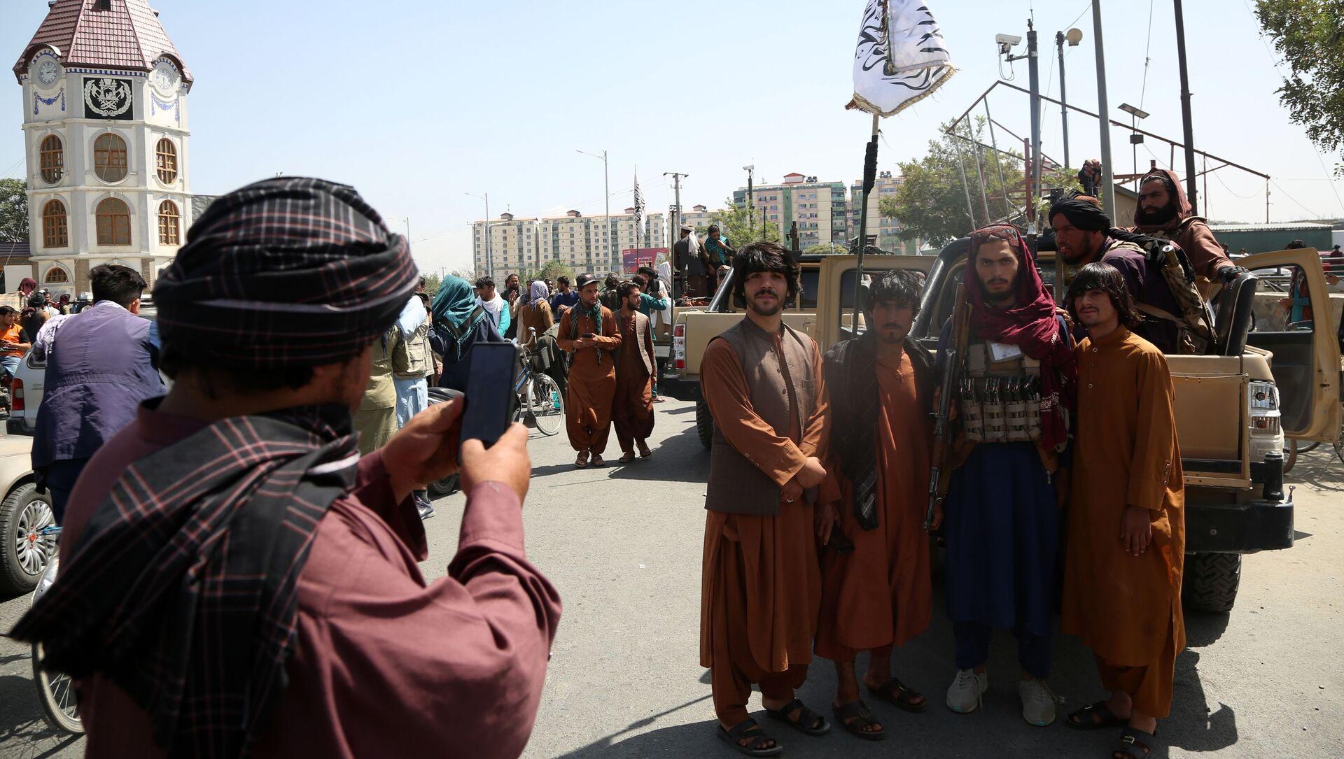 Các chiến binh Taliban (Tổ chức khủng bố bị cấm ở Nga) ở Kabul - Sputnik Việt Nam, 1920, 01.09.2021