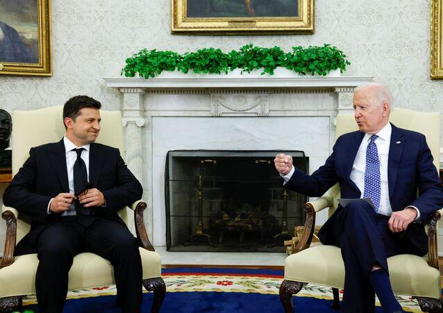 Tổng thống Hoa Kỳ Joe Biden gặp Tổng thống Ukraina Vladimir Zelensky tại Phòng Bầu dục Nhà Trắng ở Washington, Hoa Kỳ, ngày 1/9/2021