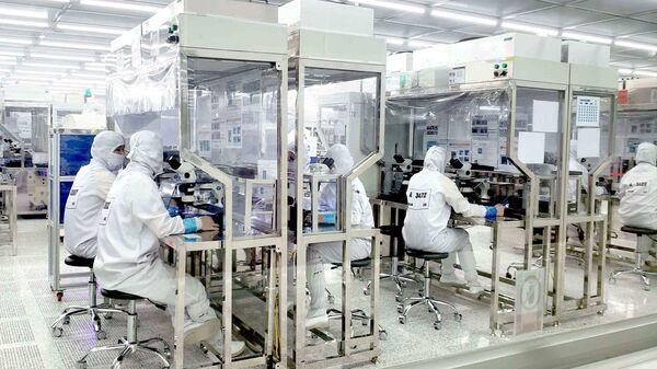 Công ty Optrontec Vina khu công nghiệp Bá Thiện 2, Vĩnh Phúc là công ty 100% vốn Hàn Quốc. - Sputnik Việt Nam