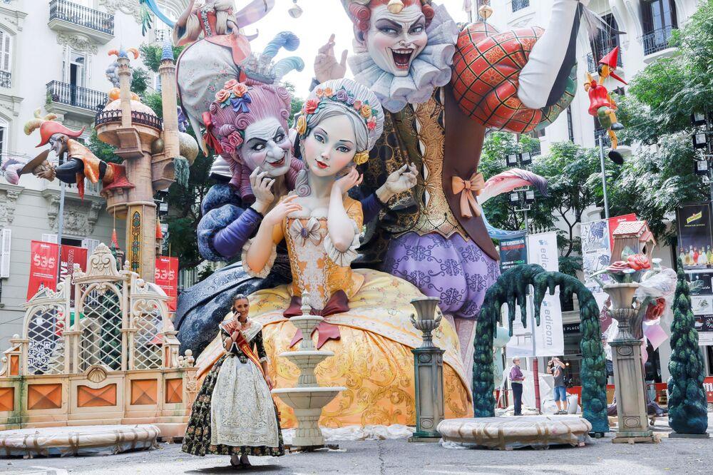 Người tham gia lễ hội Fallas ở Valencia, Tây Ban Nha