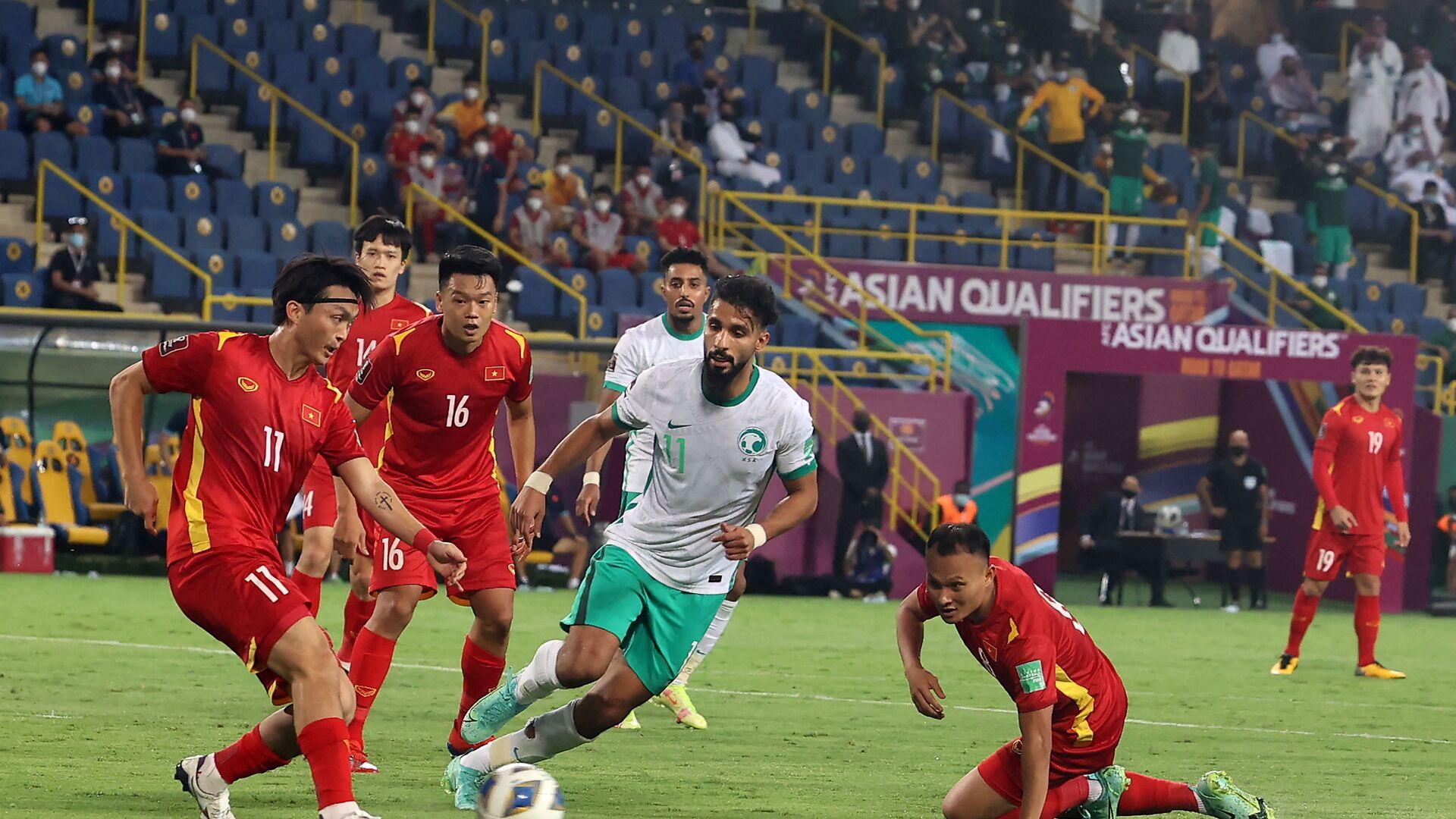 Trận mở màn AFC Asian Qualifiers - Road to Qatar, vòng loại thứ ba World Cup 2022 khu vực châu Á. - Sputnik Việt Nam, 1920, 03.09.2021