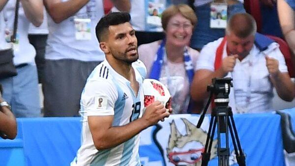 Sergio Aguero trong trận chung kết 1/8 FIFA World Cup giữa đội tuyển quốc gia Pháp và Argentina - Sputnik Việt Nam