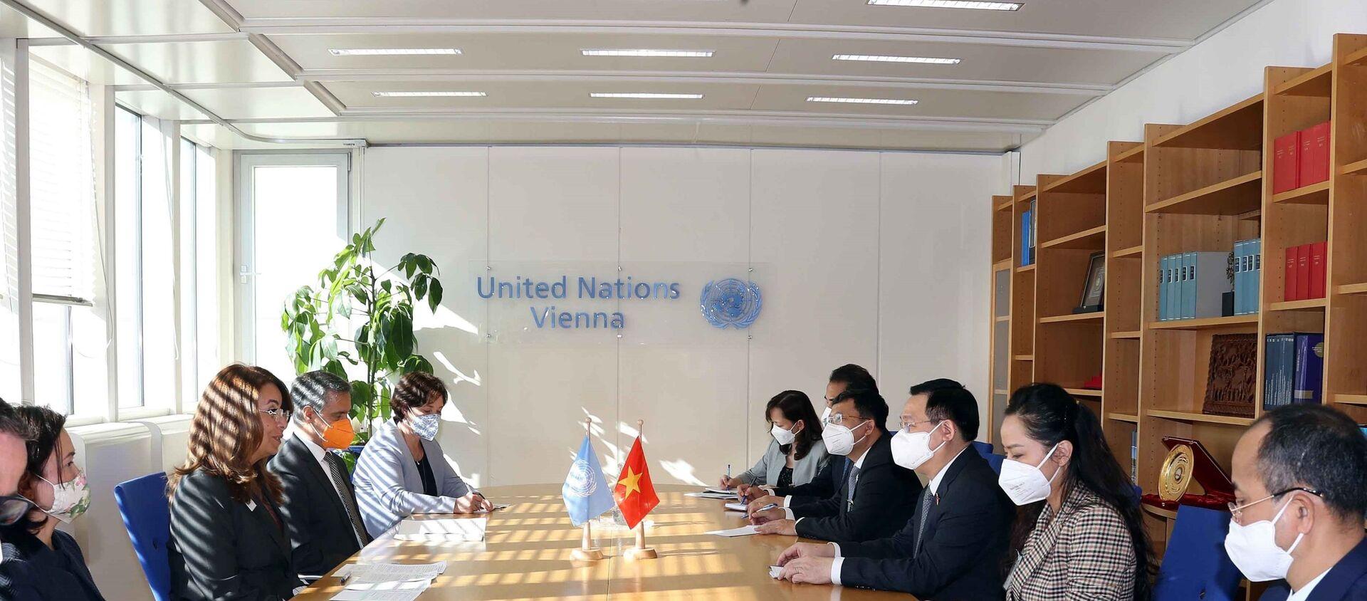 Chủ tịch Quốc hội Vương Đình Huệ gặp Giám đốc điều hành Văn phòng Liên hợp quốc tại Vienna - Sputnik Việt Nam, 1920, 07.09.2021