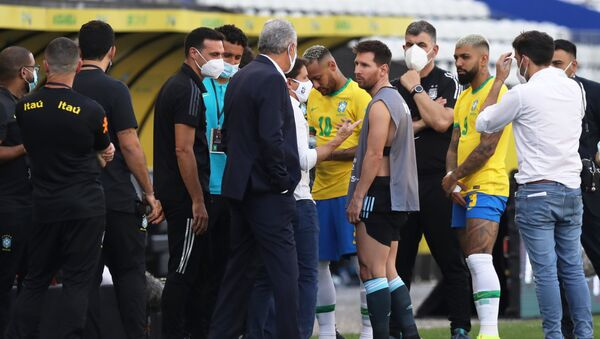 Gián đoạn trận đấu giữa đội tuyển quốc gia Argentina và Brazil tại Sao Paulo - Sputnik Việt Nam