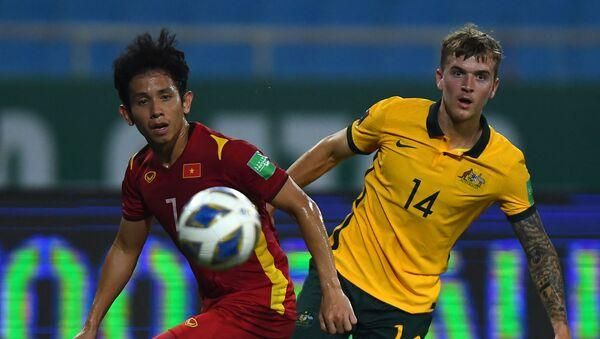 Trận đấu giữa tuyển Việt Nam và Australia trong khuôn khổ vòng loại World Cup 2022 khu vực châu Á - Sputnik Việt Nam
