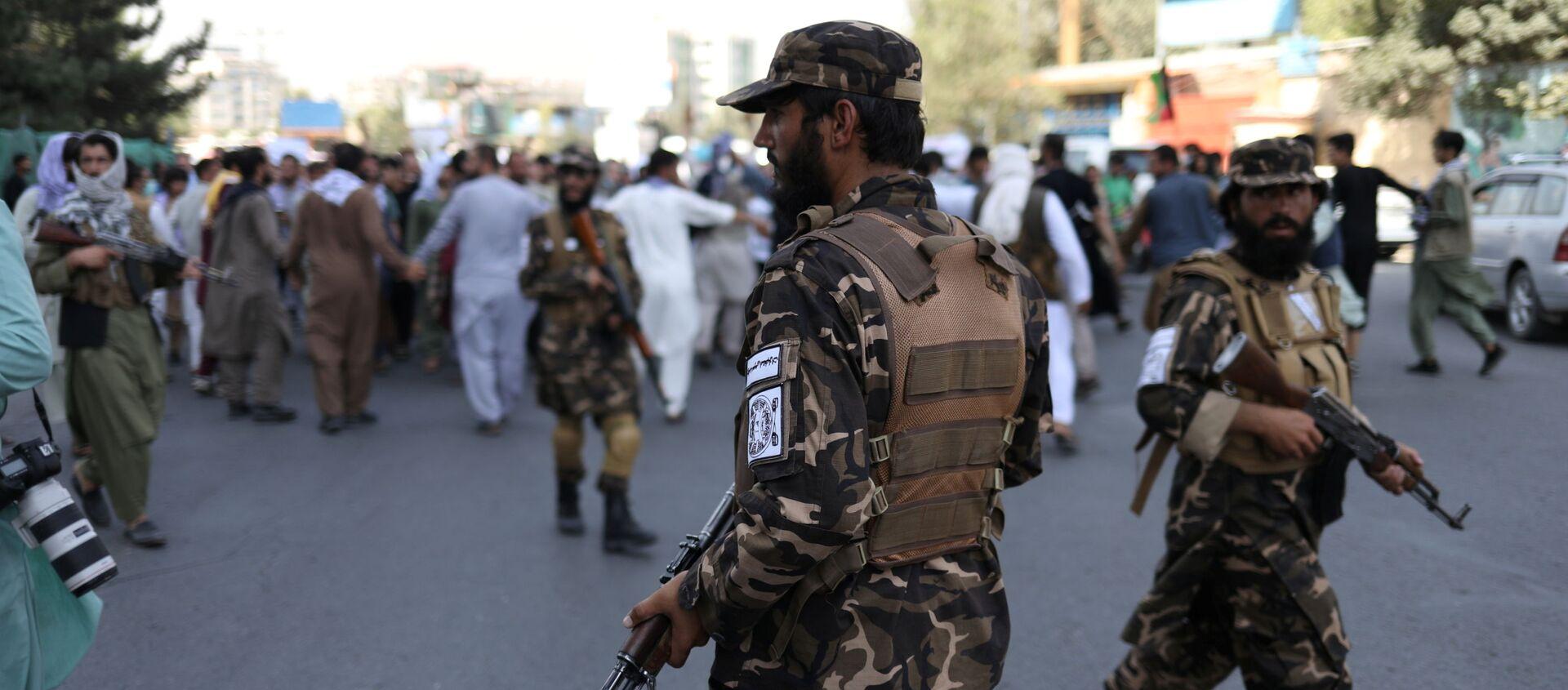 Taliban* giải tán người biểu tình ở Kabul - Sputnik Việt Nam, 1920, 08.09.2021