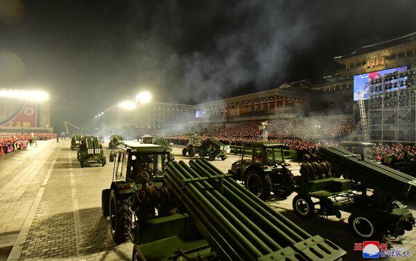 Сuộc duyệt binh của lực lượng dân quân và an ninh để  kỷ niệm 73 năm ngày thành lập Chính phủ nhân dân và Quốc khánh CHDCND Triều Tiên - Sputnik Việt Nam