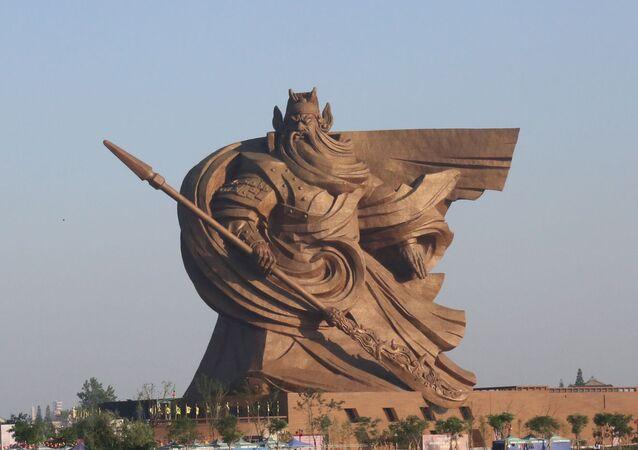 Bức tượng vinh danh nhà lãnh đạo quân sự Quan Vũ thành phố Kinh Châu, tỉnh Hồ Bắc, Trung Quốc