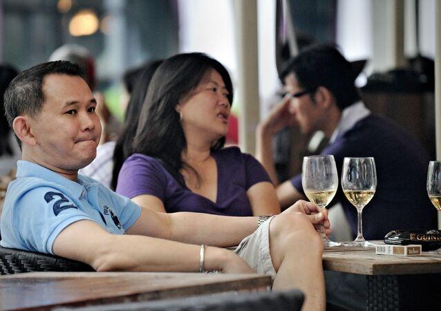 Cặp đôi ở quán cà phê, Thượng Hải