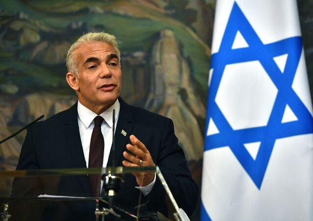 Bộ trưởng Ngoại giao Israel Yair Lapid trong một cuộc họp báo ở Moscow