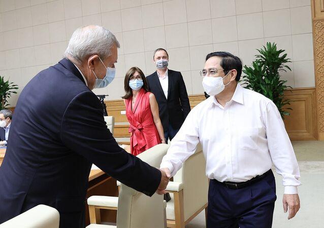 Thủ tướng Phạm Minh Chính với đại diện doanh nghiệp châu Âu tại Việt Nam