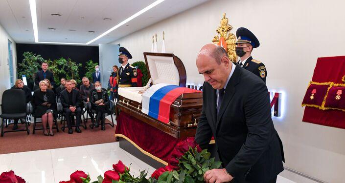 Thủ tướng Liên bang Nga M. Mishustin tham dự lễ viếng người đứng đầu Bộ Tình trạng khẩn cấp Nga Yevgeny Zinichev