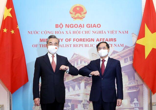 Bộ trưởng Ngoại giao Bùi Thanh Sơn hội đàm với Bộ trưởng Ngoại giao Trung Quốc Vương Nghị
