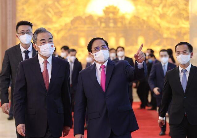 Thủ tướng Phạm Minh Chính và Bộ trưởng Ngoại giao Trung Quốc Vương Nghị