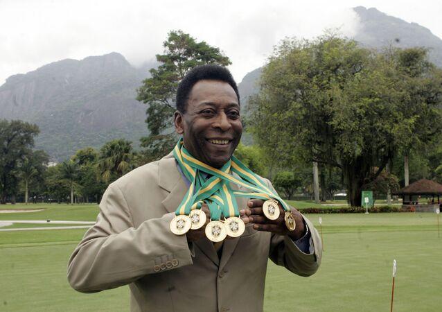 Cầu thủ bóng đá người Brazil Pele