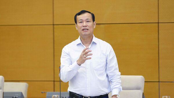 Thiếu tướng Lê Tấn Tới, Chủ nhiệm Ủy ban Quốc phòng An ninh của Quốc hội phát biểu ý kiến. - Sputnik Việt Nam