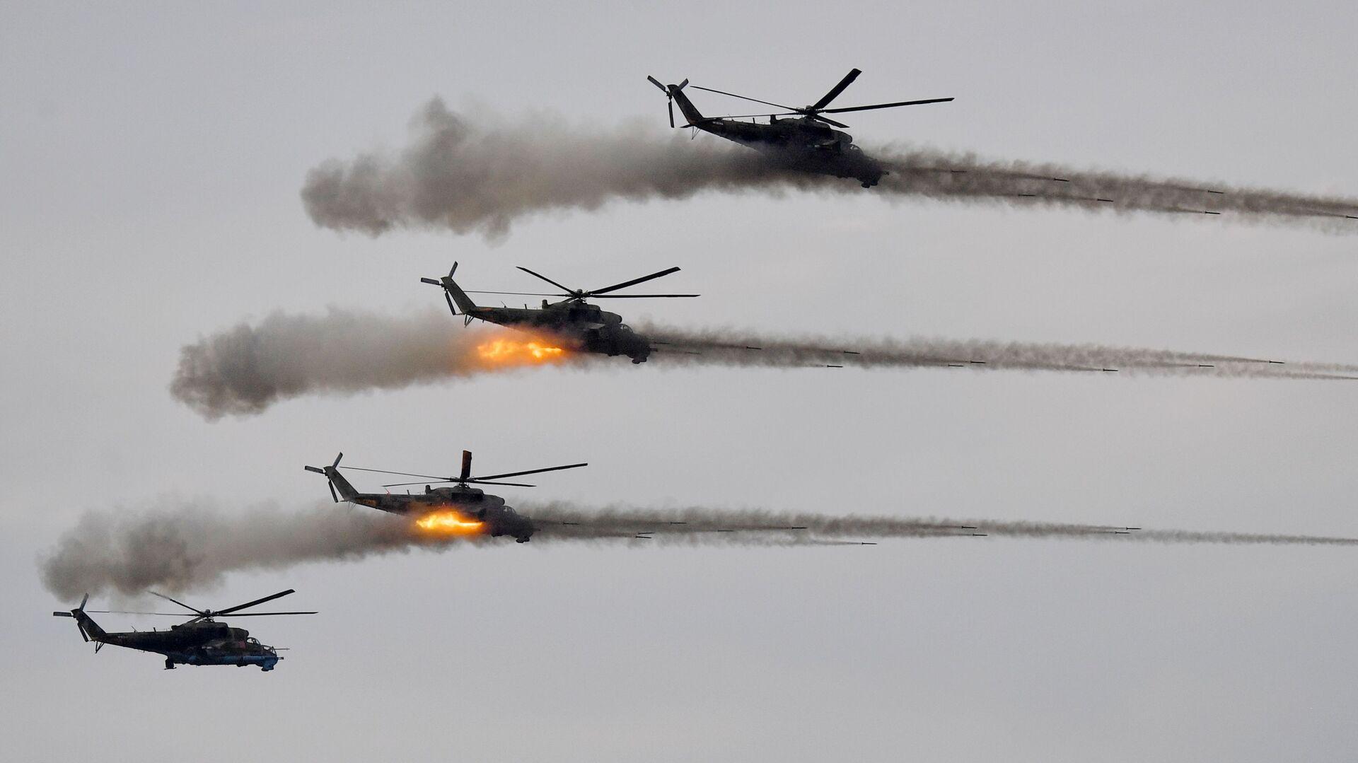 Trực thăng tấn công Mi-24 trong giai đoạn chính của cuộc tập trận Zapad-2021 tại thao trường Mulino, tỉnh Nizhny Novgorod - Sputnik Việt Nam, 1920, 11.10.2021