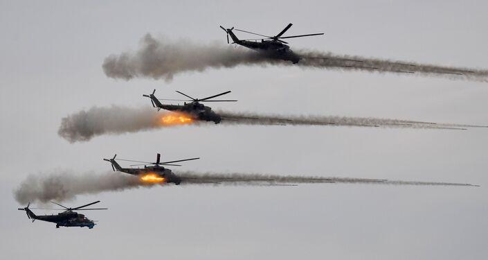 Trực thăng tấn công Mi-24 trong giai đoạn chính của cuộc tập trận Zapad-2021 tại thao trường Mulino, tỉnh Nizhny Novgorod
