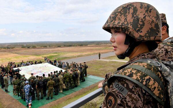 Đại diện của quân đội Mông Cổ trong giai đoạn chính của cuộc tập trận Zapad-2021 tại thao trường Mulino, tỉnh Nizhny Novgorod - Sputnik Việt Nam