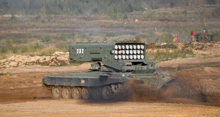 Hệ thống súng phun lửa hạng nặng TOS-1A Solntsepek trong tập trận Zapad-2021