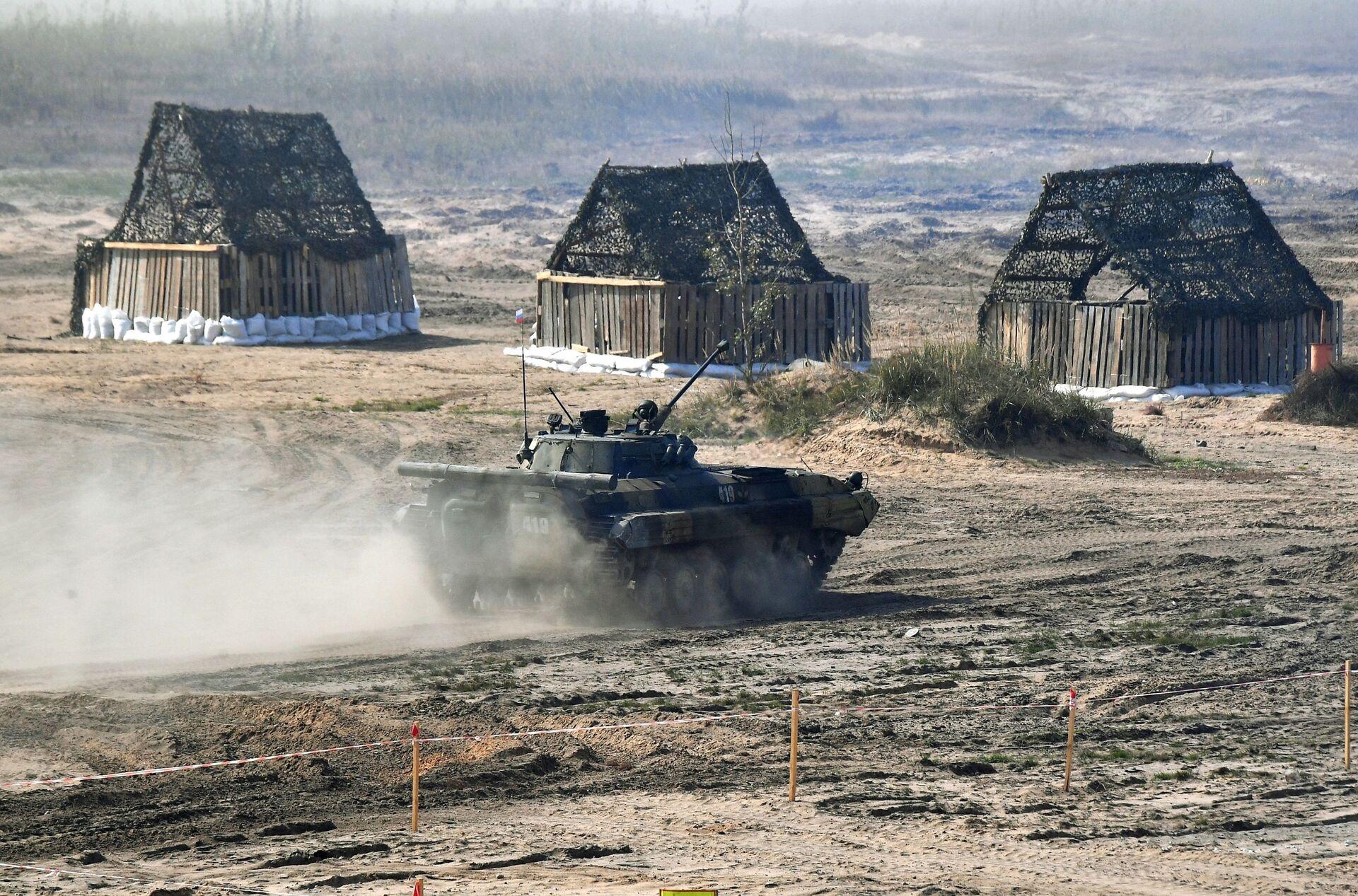 Xe chiến đấu bộ binh BMP-2 của Nga tại cuộc tập trận chiến lược chung Zapad-2021 - Sputnik Việt Nam, 1920, 05.10.2021