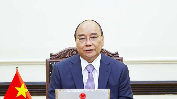 Chủ tịch nước Nguyễn Xuân Phúc điện đàm với Thủ tướng Nhật Bản Yoshihide Suga - Sputnik Việt Nam