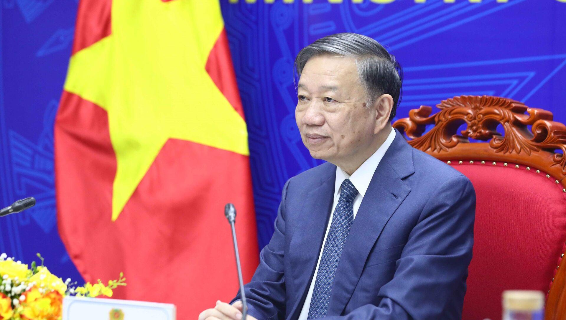 Bộ trưởng Công an Tô Lâm hội đàm trực tuyến với Bí thư Ủy ban chính pháp Trung ương Đảng Cộng sản Trung Quốc - Sputnik Việt Nam, 1920, 16.09.2021