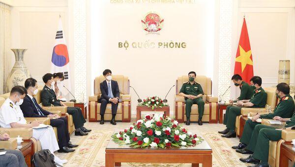 Bộ trưởng Quốc phòng Phan Văn Giang tiếp Thứ trưởng Quốc phòng Hàn Quốc Park Jae Min - Sputnik Việt Nam