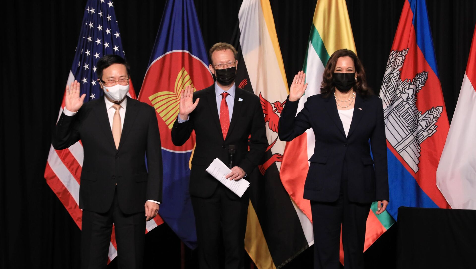 Phó Tổng thống Kamala Harris dự khai trương Văn phòng CDC Hoa Kỳ khu vực Đông Nam Á - Sputnik Việt Nam, 1920, 17.09.2021