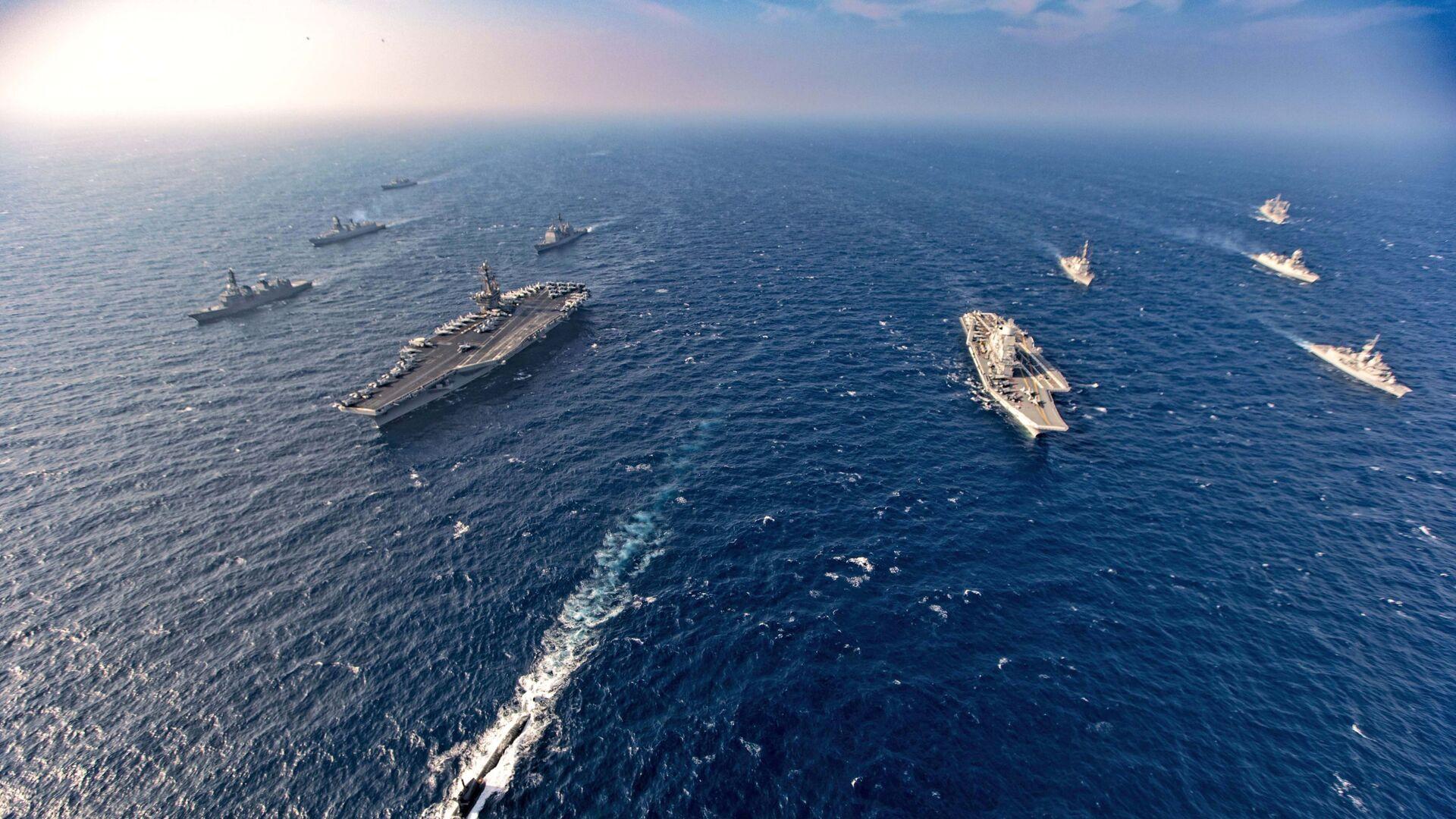 Tàu sân bay và tàu chiến Úc tham gia giai đoạn hai của cuộc tập trận hải quân Malabar ở Biển Bắc Ả Rập - Sputnik Việt Nam, 1920, 17.09.2021