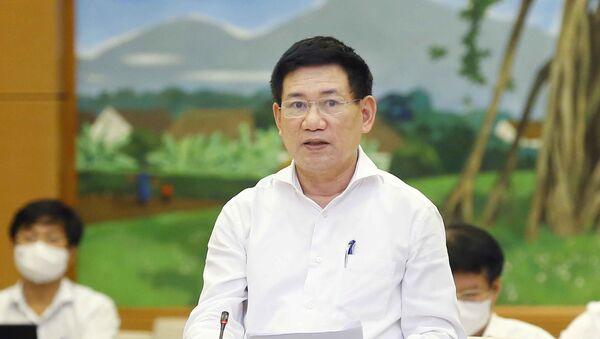 Bộ trưởng Bộ Tài chính Hồ Đức Phớc trình bày tờ trình - Sputnik Việt Nam