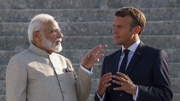 Thủ tướng Ấn Độ Narendra Modi và Tổng thống Pháp Emmanuel Macron  - Sputnik Việt Nam