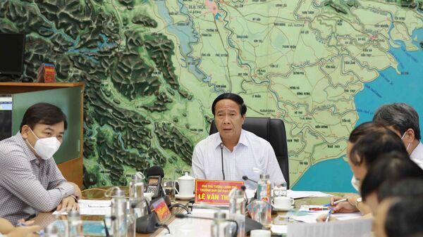 Phó Thủ tướng Lê Văn Thành chỉ đạo công tác ứng phó với bão số 6 - Sputnik Việt Nam