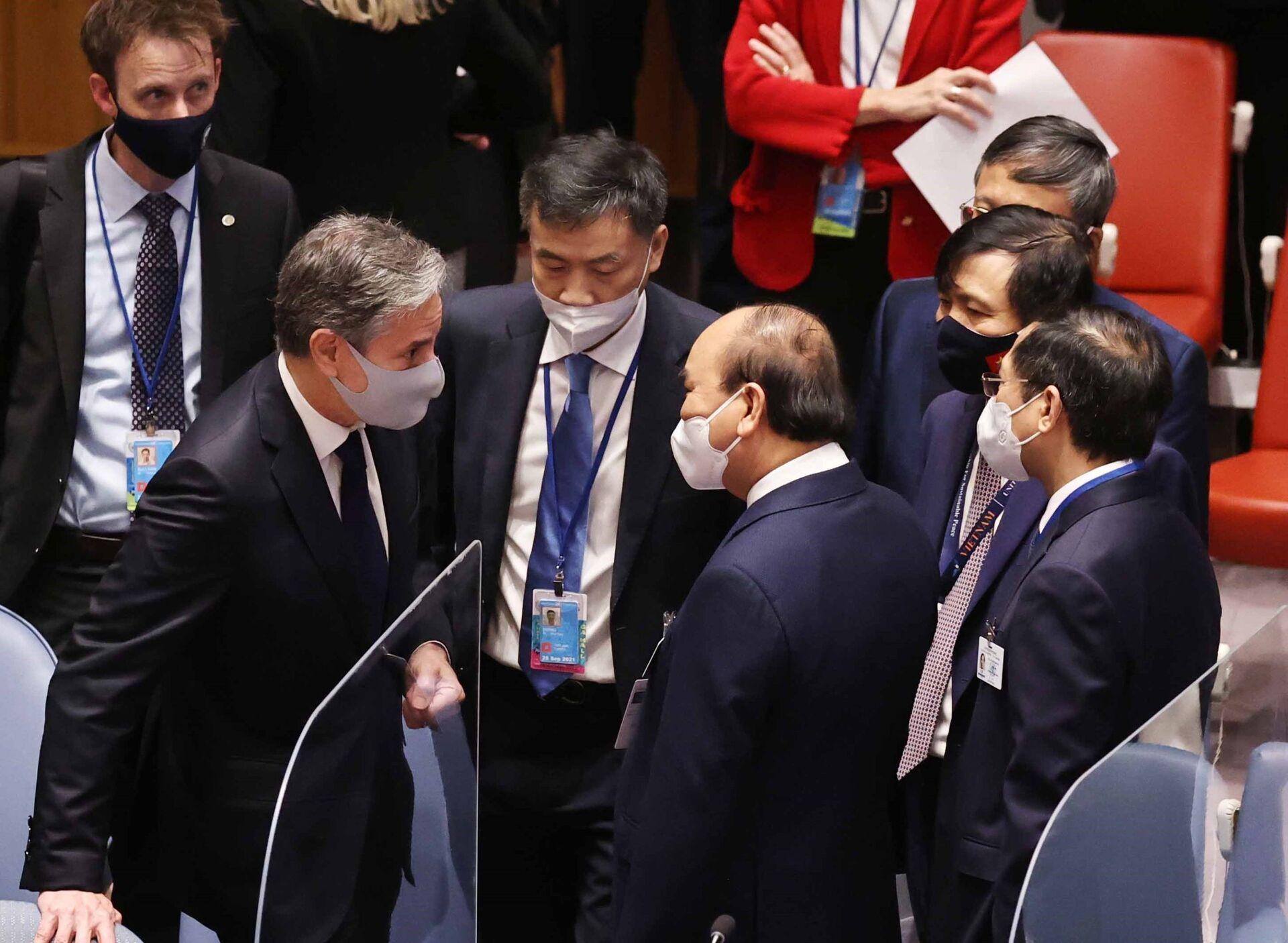 Chủ tịch nước Nguyễn Xuân Phúc và Ngoại trưởng Mỹ Antony Blinken tại phiên họp. - Sputnik Việt Nam, 1920, 05.10.2021