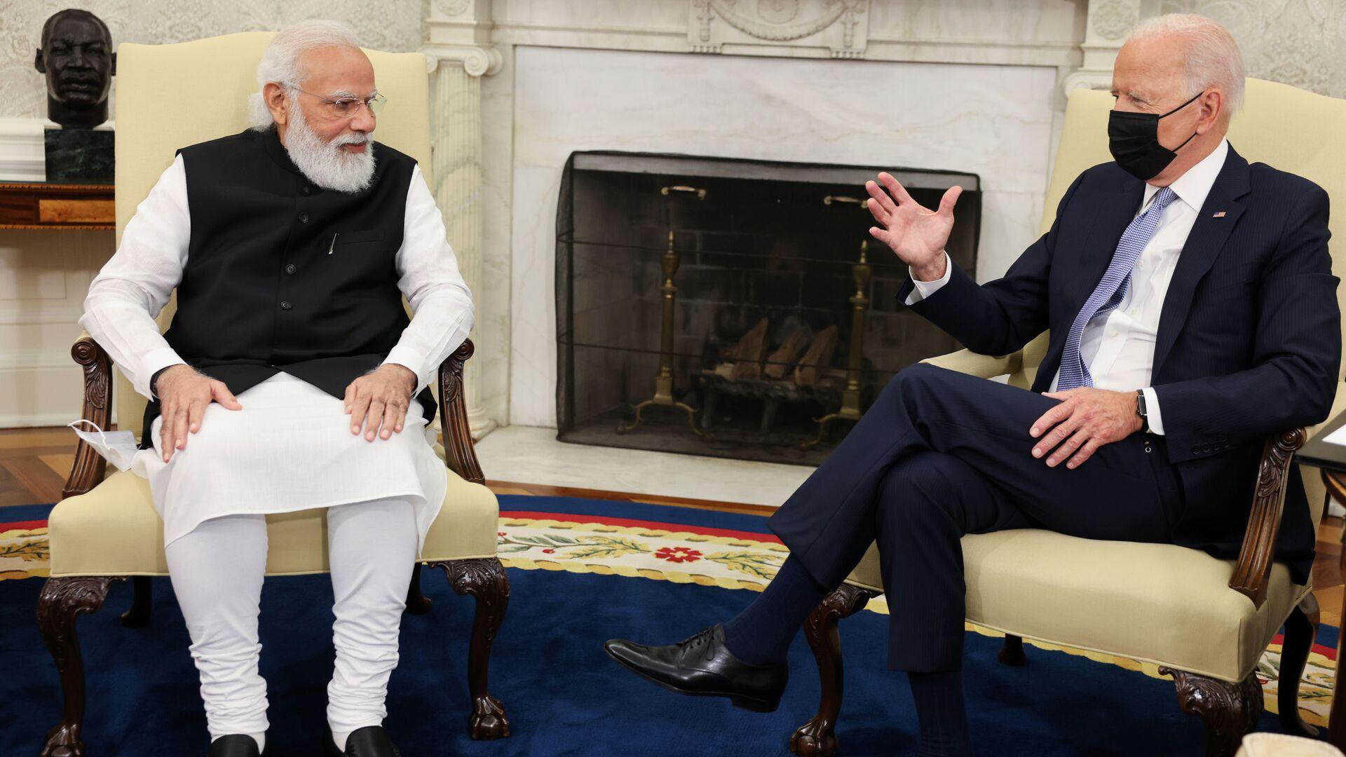 Tổng thống Mỹ Joe Biden gặp Thủ tướng Ấn Độ Narendra Modi tại Phòng Bầu dục Nhà Trắng ở Washington - Sputnik Việt Nam, 1920, 25.09.2021