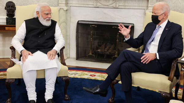 Tổng thống Mỹ Joe Biden gặp Thủ tướng Ấn Độ Narendra Modi tại Phòng Bầu dục Nhà Trắng ở Washington - Sputnik Việt Nam