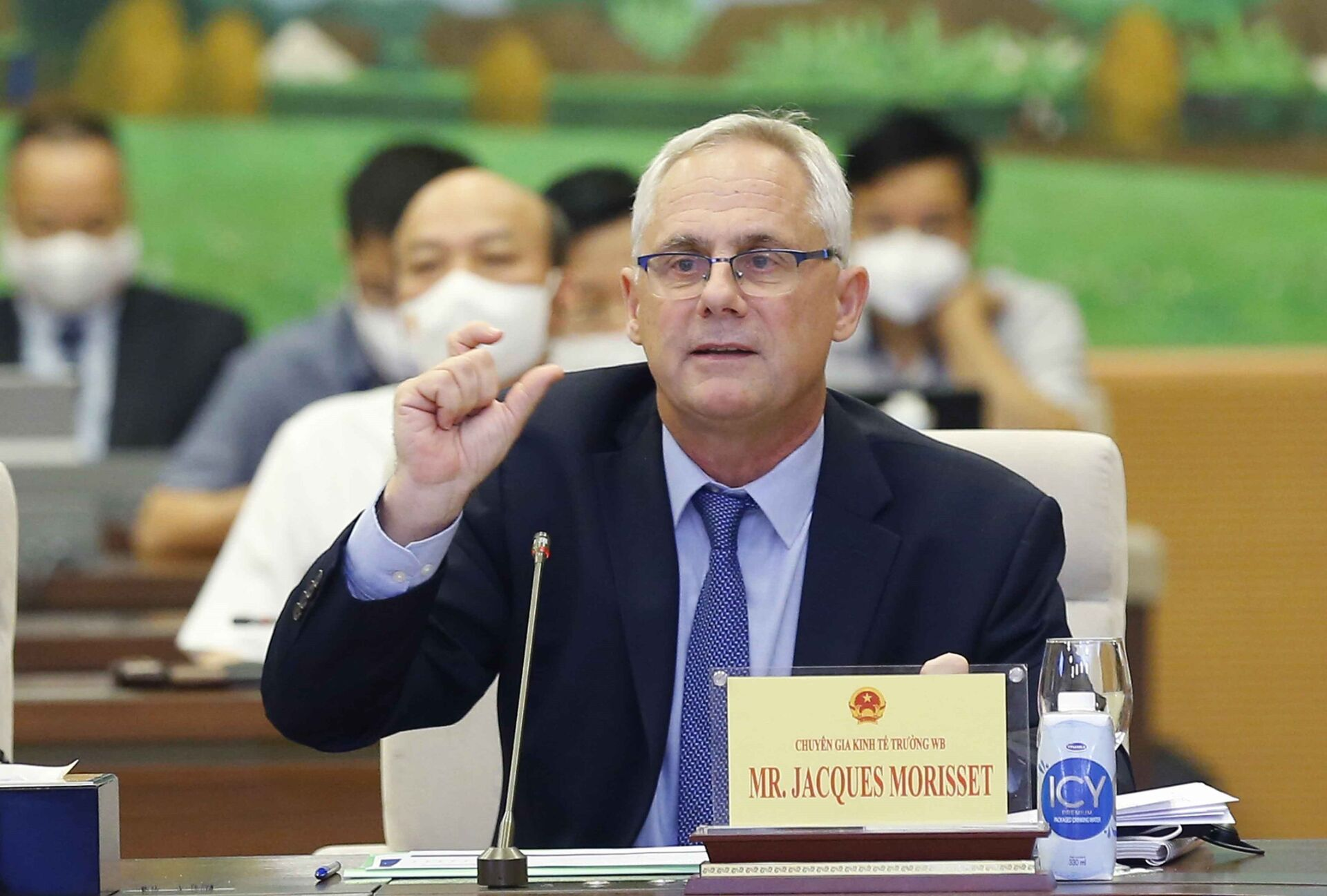 Ông Jacques Morisset, Chuyên gia Kinh tế trưởng của Ngân hàng Thế giới tại Việt Nam phát biểu. - Sputnik Việt Nam, 1920, 05.10.2021