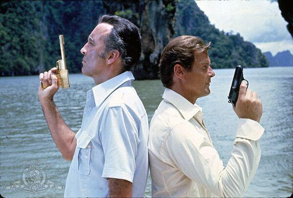 Từ bộ phim «The Man with the Golden Gun» («Người đàn ông cầm súng vàng») - Sputnik Việt Nam