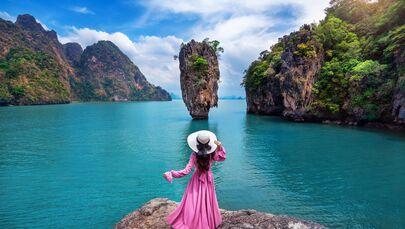 Thiếu nữ trên đảo James Bond ở Phang Nga, Thái Lan