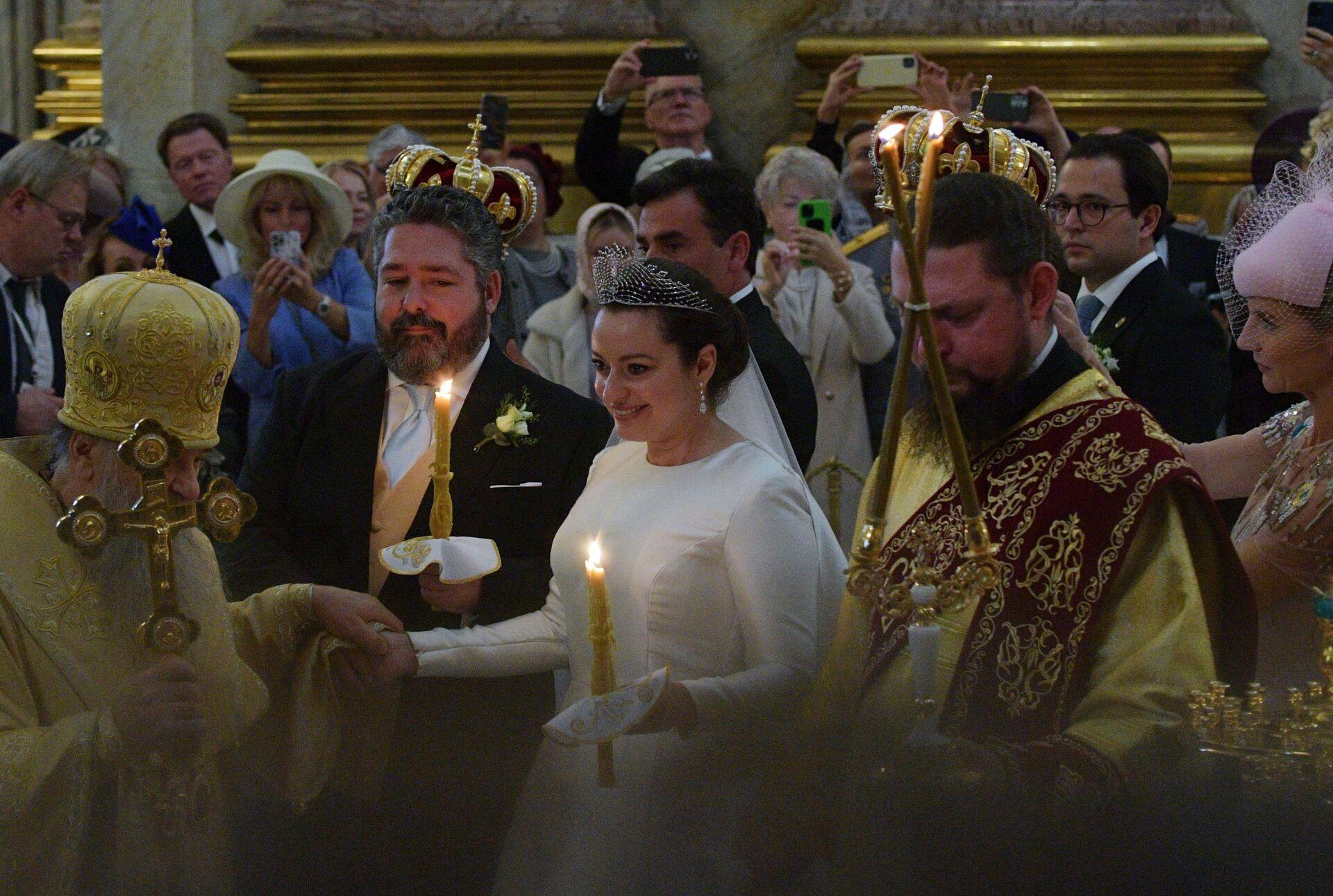 Lễ cưới hoàng gia của hậu duệ nhà Romanov diễn ra ở St.Petersburg - Sputnik Việt Nam, 1920, 05.10.2021