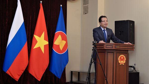 Đại sứ Đặng Minh Khôi phát biểu tại cuộc giao lưu   - Sputnik Việt Nam